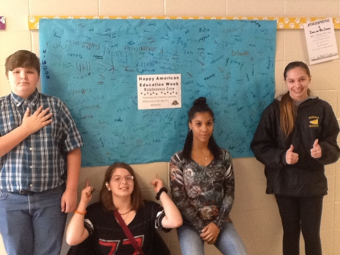 AEW 2018-Students with banner thanking Maintenance Crew!!
